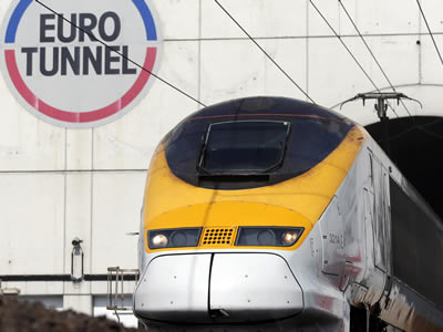 The Eurotunnel and Dover ferries are less than 45 minutes drive away.
